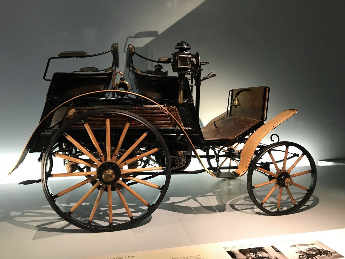 Prima masina produsa de Karl Benz.